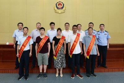 5人受表彰,镇江市润州区召开见义勇为先进个人表彰会