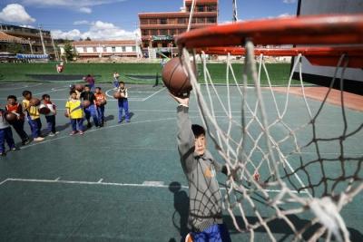 教育部:严禁挤占体育课和校园体育活动时间