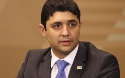 巴西审计部长新冠肺炎病毒检测结果呈阳性