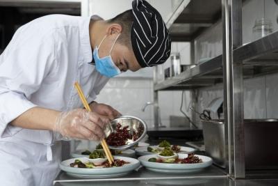 """中国人正在将""""抗疫好习惯""""变为社交新习惯"""