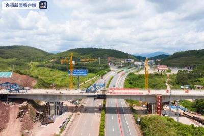 中越互联互通国际通道——防东铁路首座特大桥合龙