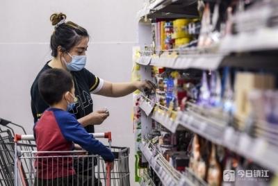 商务部:促消费举措集中落地 推动市场全面回暖