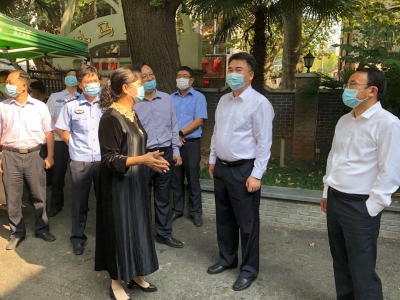 镇江市领导检查疫情防控和安全生产工作   确保节假日安全有序