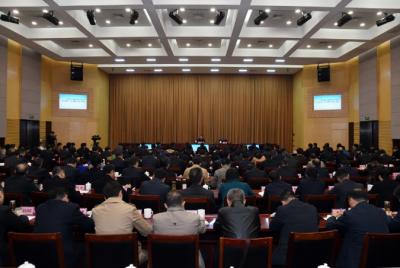 省委宣讲团宣讲报告会在镇江举行 杨琦作宣讲报告 马明龙主持报告会