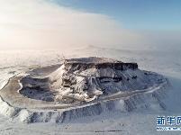 察哈尔火山群雪景如画