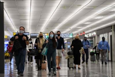 感恩节假期美国航空客流创疫情以来纪录