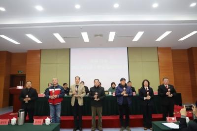 镇江市委政法委举办市政法干警光荣退休仪式