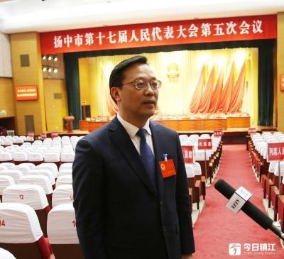 甩开膀子跑起来  只争朝夕强起来 ——专访扬中市新当选市长贾晟