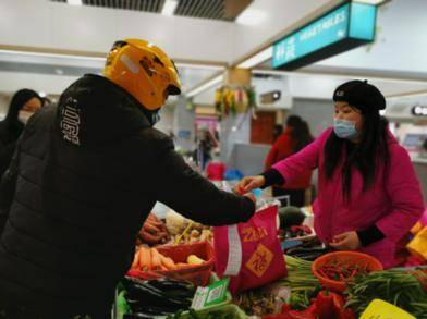 """新春走基层│""""我和80多位商户一起留在南京过年"""""""