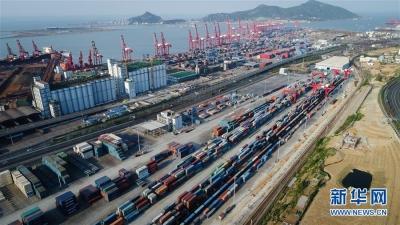 江苏经济总量历史性跃上10万亿元台阶 人均GDP连续11年居全国各省(区)之首