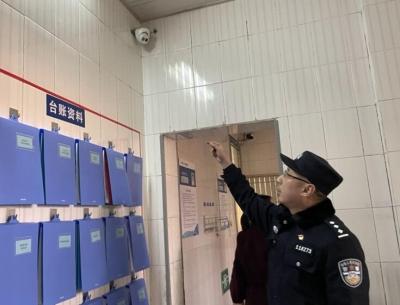 开学季,扬中警方开启护航模式!