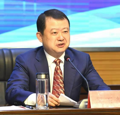 新坝镇召开产业强镇暨优化营商环境大会