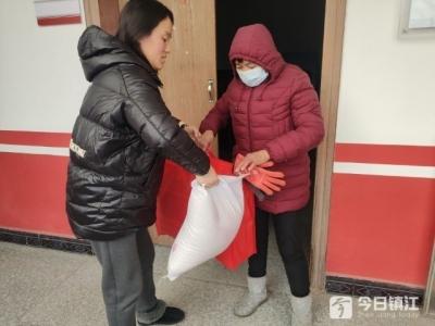 高桥镇红会组织春节慰问