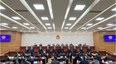 市八届人大常委会召开第三十二次会议 马明龙主持会议