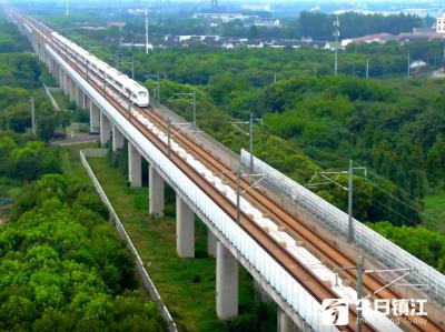 """镇江全力保障铁路环境安全""""百日行动""""排查安全隐患300多处"""