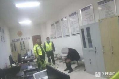 醉驾肇事逃逸男子太疯狂 被抓到警队后竟翻墙逃跑