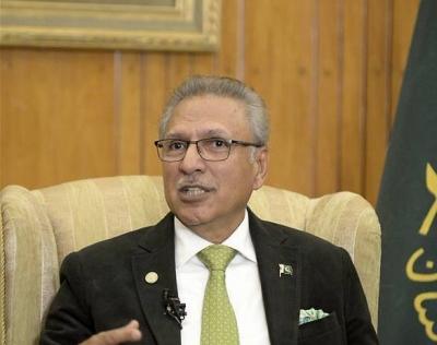 巴基斯坦总统新冠病毒检测结果呈阳性