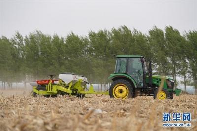 今年江蘇農作物耕種收綜合機械化率將達80%以上