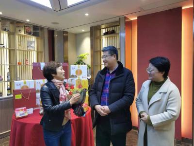 凝聚巾帼力量 助力产业强区 和平路街道开展走访慰问女企业家活动