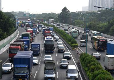 清明假期江蘇高速公路日均出口流量超350萬輛