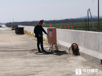"""鎮江公路水運工程再推進 交通執法""""體檢""""筑起安全網"""