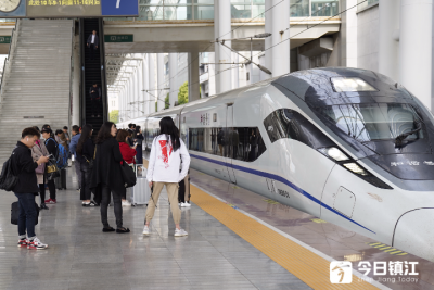 清明小長假 鐵路、民航運輸迎來高峰