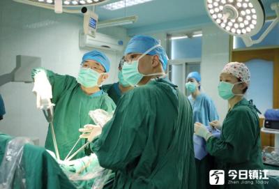 镇江三院成功实施该院首例单孔腔镜肺小叶切除术