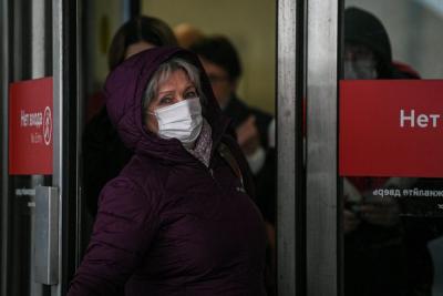 俄总统普京批准全国带薪休假防控疫情