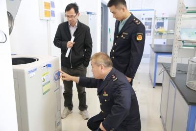 丹徒区市场监管局加强实验室特种设备监管